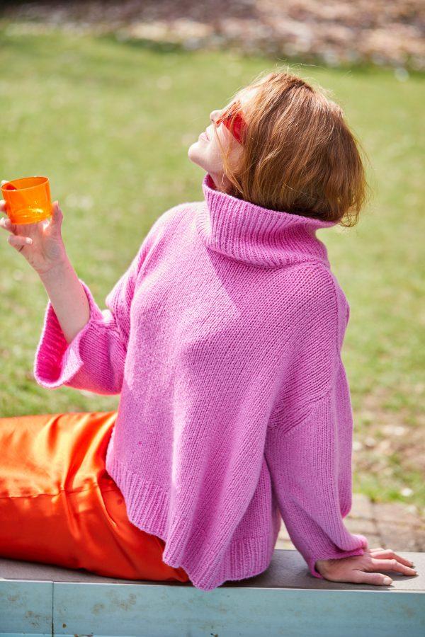 Lässiger Rollkragen-Pullover Christina Rückenansicht